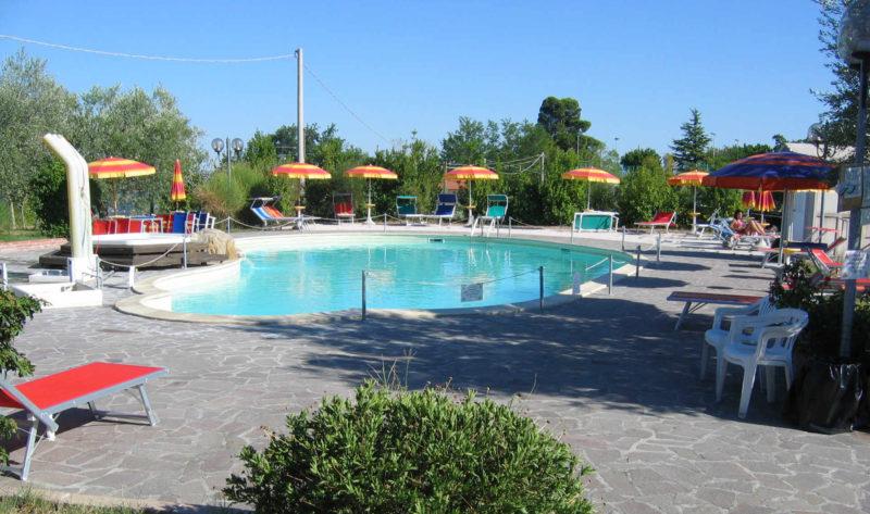 Agriturismo con piscina nelle marche provincia di pesaro for Piscina urbino